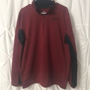 Nike Therma Fit 1/4 Zip Pullover in great shape !